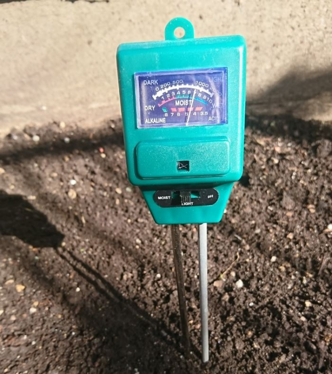 McGregor's 3 in 1 soil tester